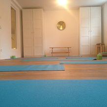 Yoga-Kurs, Equipment vorhanden