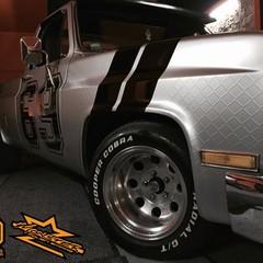 Vollfolierung Chevy C10 Monster 1