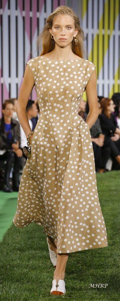 9255bb603519 Elegantné šaty pre moletky - dunea