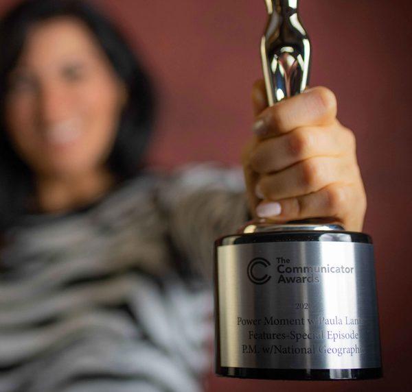 Paula Lamas Premio Academia de las Artes Visuales E Interactivas de Estados Unidos AIVA - Power Moment with National Geographic